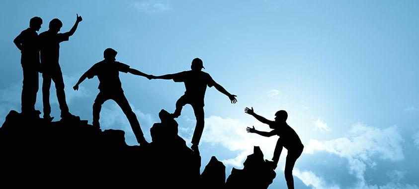 Etapele prin care trece o echipă și scopul unui team building